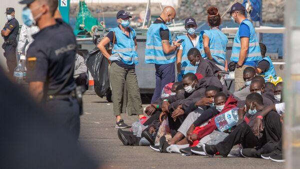 Migrantes en las Islas Canarias - Sputnik Mundo