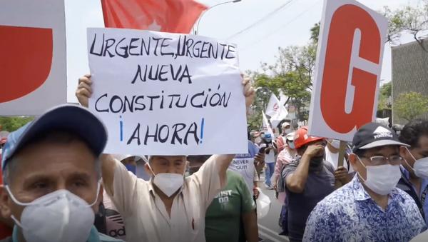 Sindicatos toman las calles de Lima y exigen una nueva constitución para Perú - Sputnik Mundo