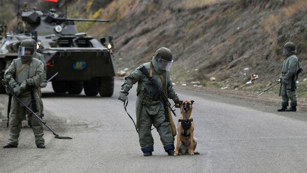 Militares rusos en Nagorno Karabaj - Sputnik Mundo