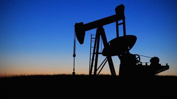 Extracción de petróleo (imágen referencial) - Sputnik Mundo