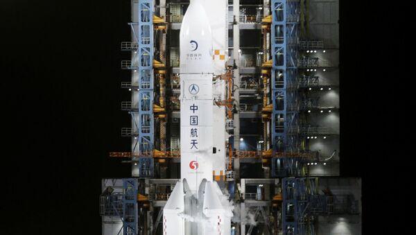 El cohete con la sonda china Chang'e-5 a bordo - Sputnik Mundo