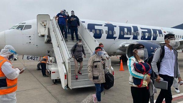 Vuelo de repatriación de aerolíneas Estelar de Venezuela - Sputnik Mundo