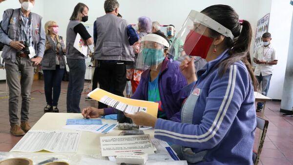 La instalación de las mesas de votación para las elecciones parlamentarias en Venezuela - Sputnik Mundo