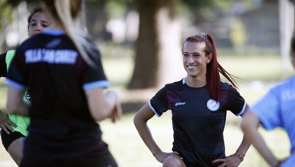 Mara Gómez durante un entrenamiento con el Villa San Carlos - Sputnik Mundo