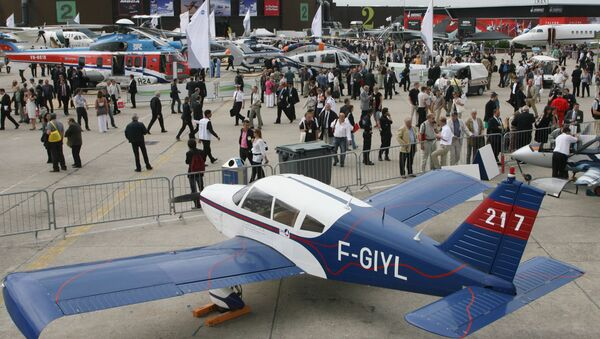Un avión en la exposición del Salón Aeronáutico de Le Bourget  (archivo) - Sputnik Mundo
