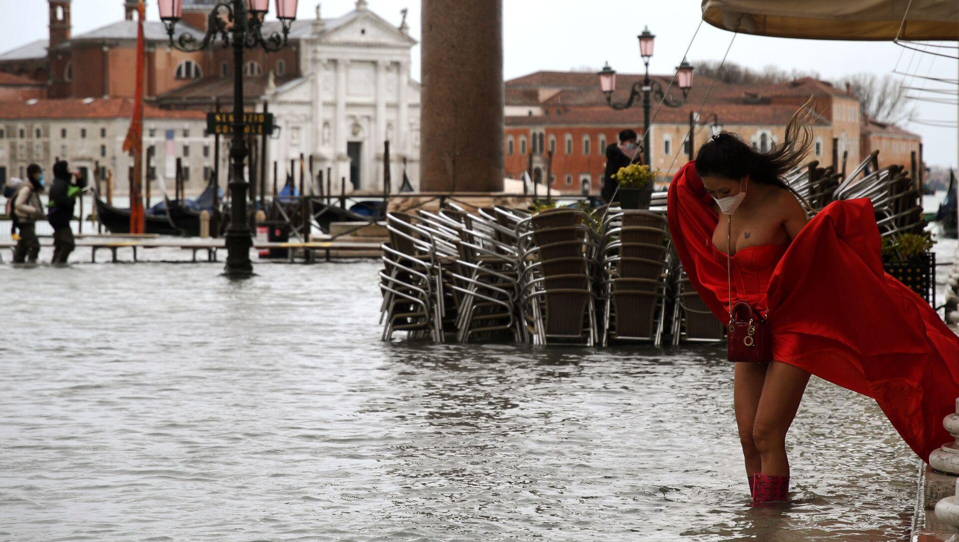Venecia vuelve a desaparecer bajo el agua    - Sputnik Mundo, 1920, 09.12.2020
