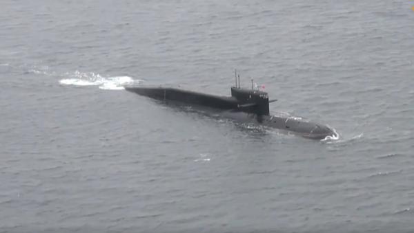 Rusia lanza un misil balístico desde un submarino durante los ejercicios   Vídeo - Sputnik Mundo
