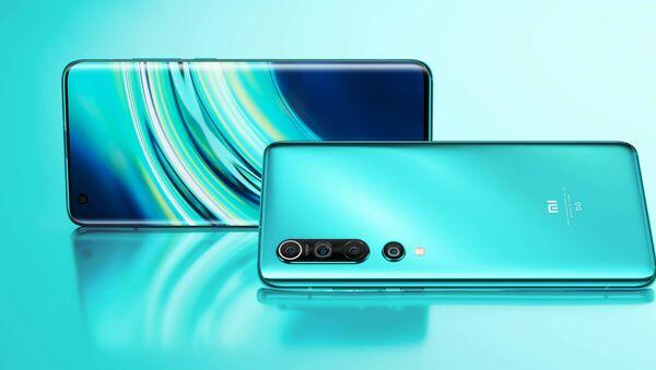 Los 'smartphones' Xiaomi Mi 10 (imagen referencial) - Sputnik Mundo