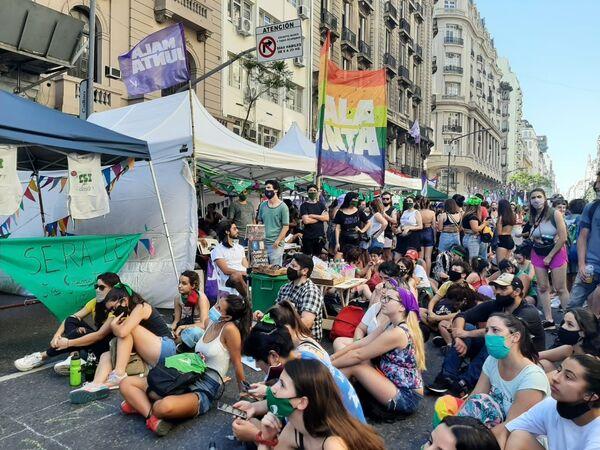 Manifestaciones a favor de la legalización del aborto en Argentina. - Sputnik Mundo