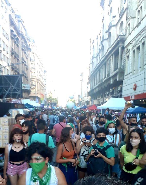 Manifestaciones a favor de la legalización del aborto en Argentina  - Sputnik Mundo