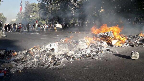 Manifestaciones en Chile por las víctimas de la dictadura y el estallido social - Sputnik Mundo