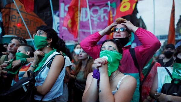 Protestas en Buenos Aires a favor de la legalización del aborto - Sputnik Mundo