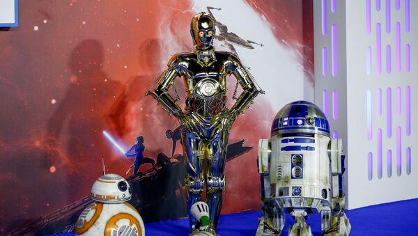 Los droides de 'Star Wars' saga D-O, R2D2 y C3PO - Sputnik Mundo
