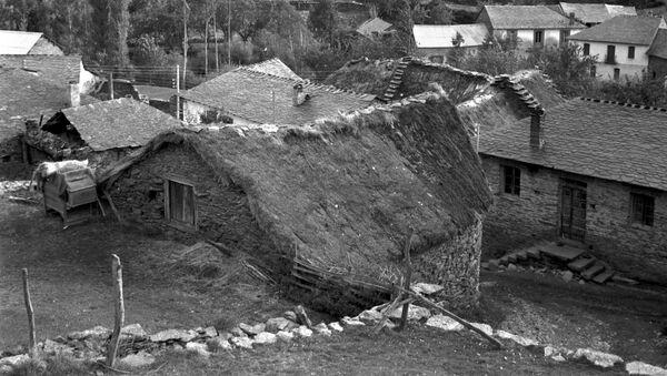 Villanueva de Omaña en la provincia de León en 1974 - Sputnik Mundo