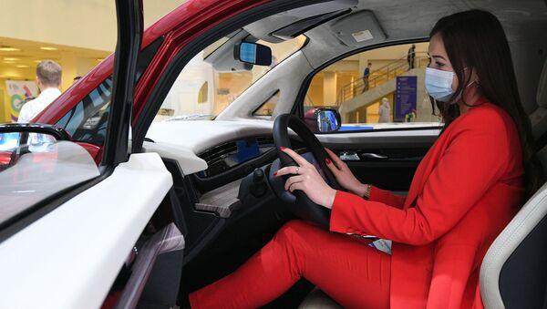 El auto eléctrico Kama-1 presentado en Moscú - Sputnik Mundo