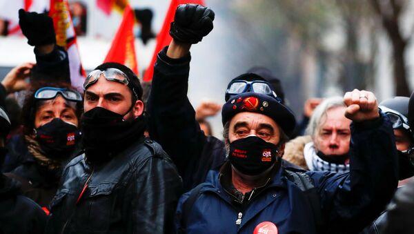 Manifestación contra el proyecto de ley de seguridad global en París, Frabcia, el 5 de diciembre. - Sputnik Mundo