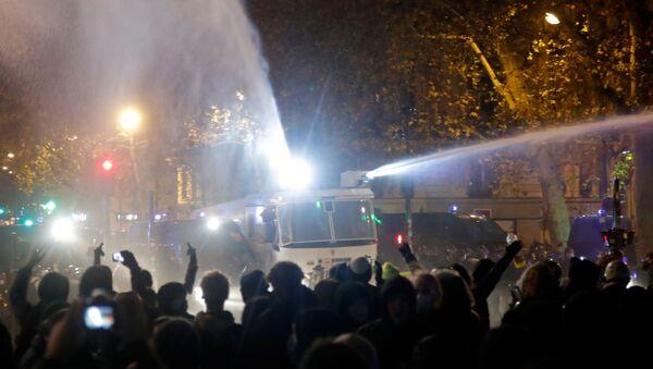 Nueva ola de protestas contra el polémico proyecto de ley de seguridad en París - Sputnik Mundo