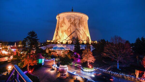Una Navidad al estilo de Chernóbil: la antigua central nuclear alemana se prepara para las fiestas - Sputnik Mundo
