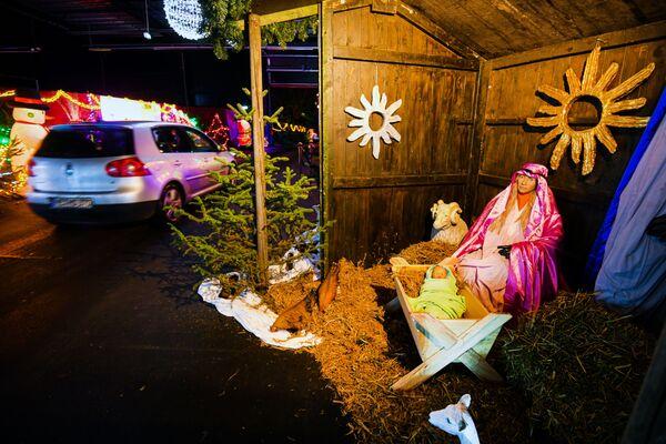Un pesebre navideño en el territorio de la antigua central nuclear de la ciudad de Kalkar. - Sputnik Mundo
