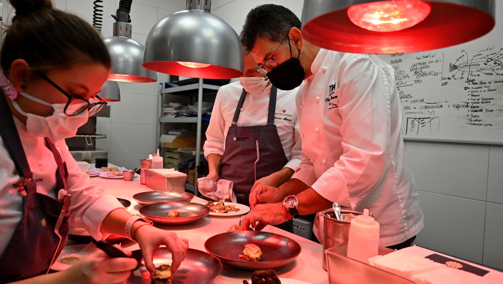 Cocinas de la Terraza del Casino (Madrid) de Paco Roncero, ganador de dos estrellas Michelin - Sputnik Mundo, 1920, 15.12.2020
