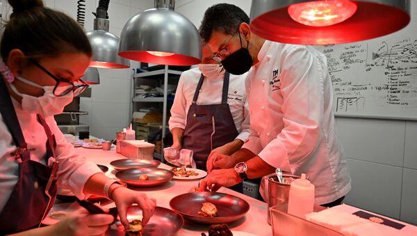 Cocinas de la Terraza del Casino (Madrid) de Paco Roncero, ganador de dos estrellas Michelin - Sputnik Mundo