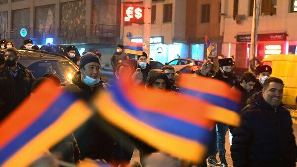 Protestas de la oposición en Ereván, Armenia - Sputnik Mundo