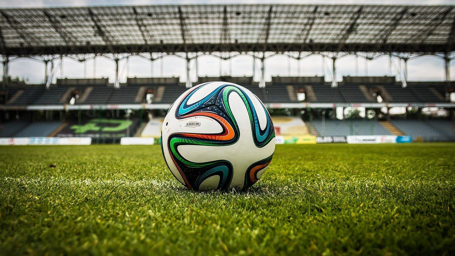 Balón de fútbol en un estadio (referencial) - Sputnik Mundo, 1920, 20.04.2021