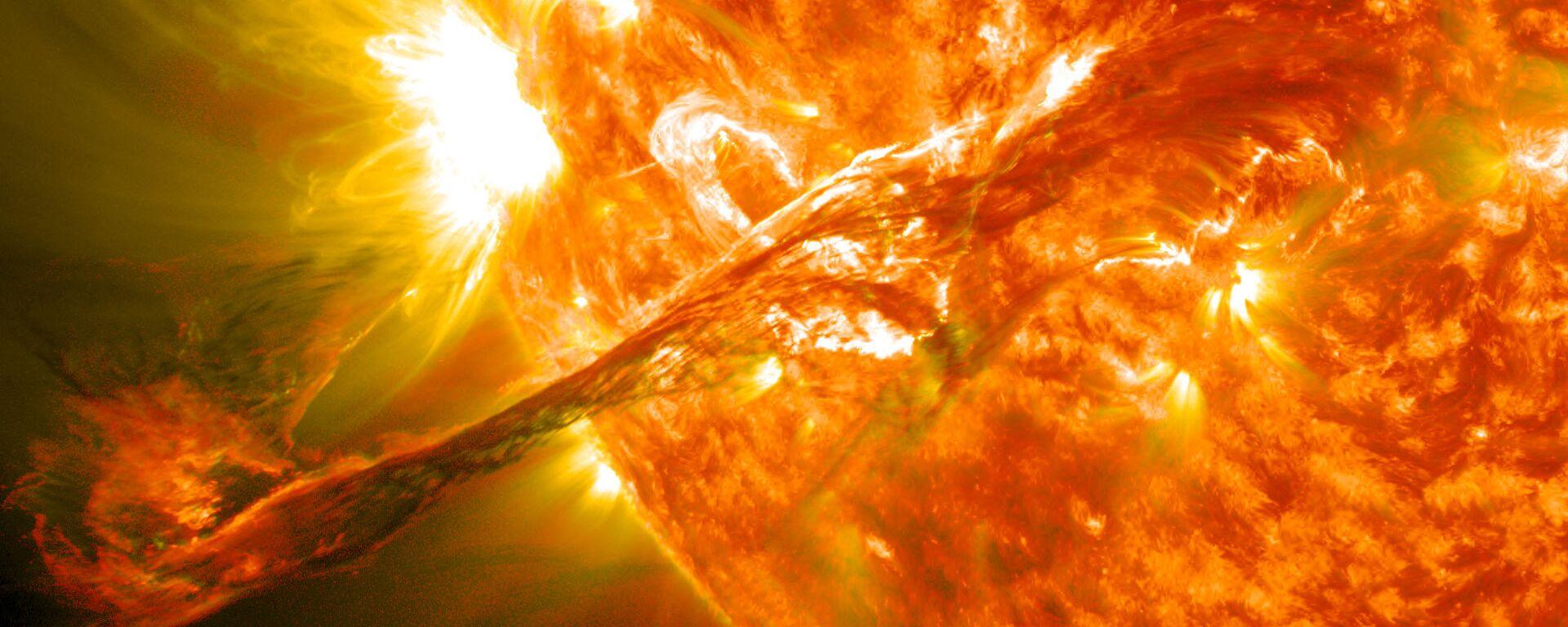 Eyección de masa coronal en el Sol (imagen referencial) - Sputnik Mundo, 1920, 18.05.2021