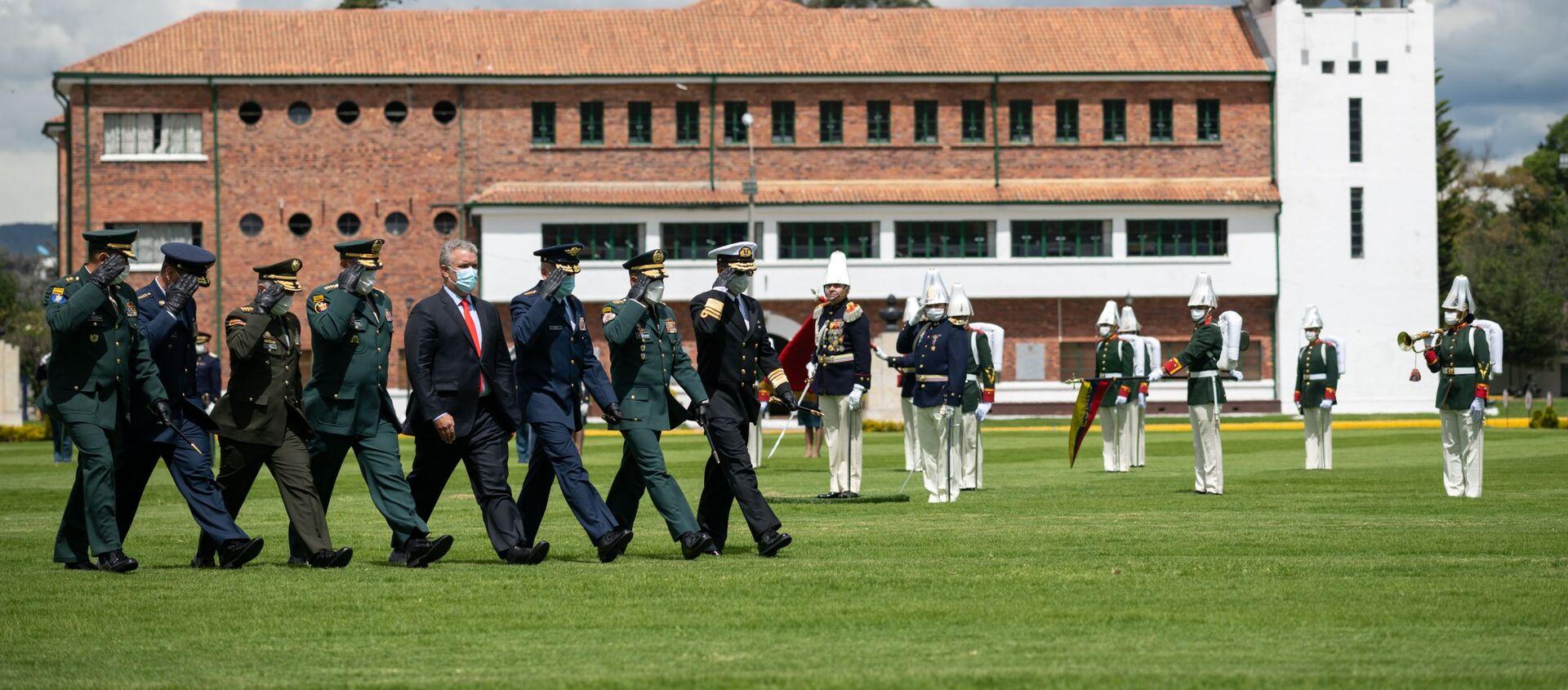 Presidente de Colombia, Iván Duque, en ceremonia de ascensos de oficiales del Ejército - Sputnik Mundo, 1920, 16.12.2020