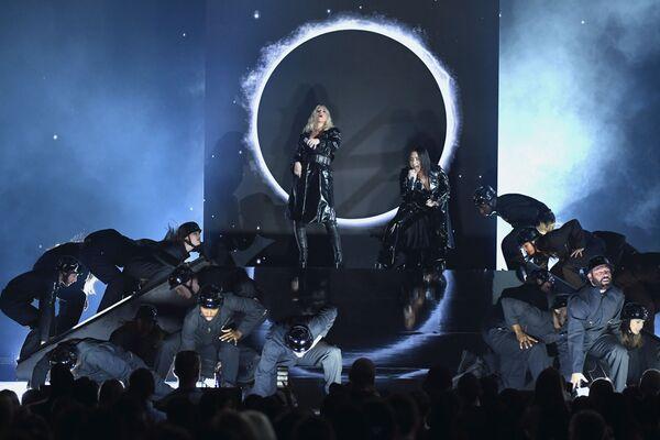 Christina Aguilera y Demi Lovato actúan en los Premios Billboard de Música 2018 en Las Vegas. - Sputnik Mundo