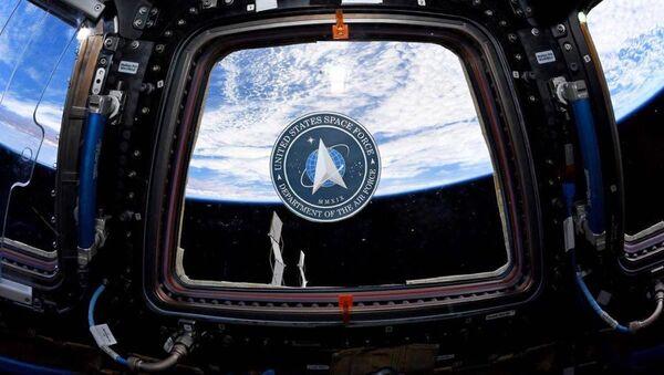El logotipo de la Fuerza Espacial de EEUU en la Estación Espacial Internacional - Sputnik Mundo
