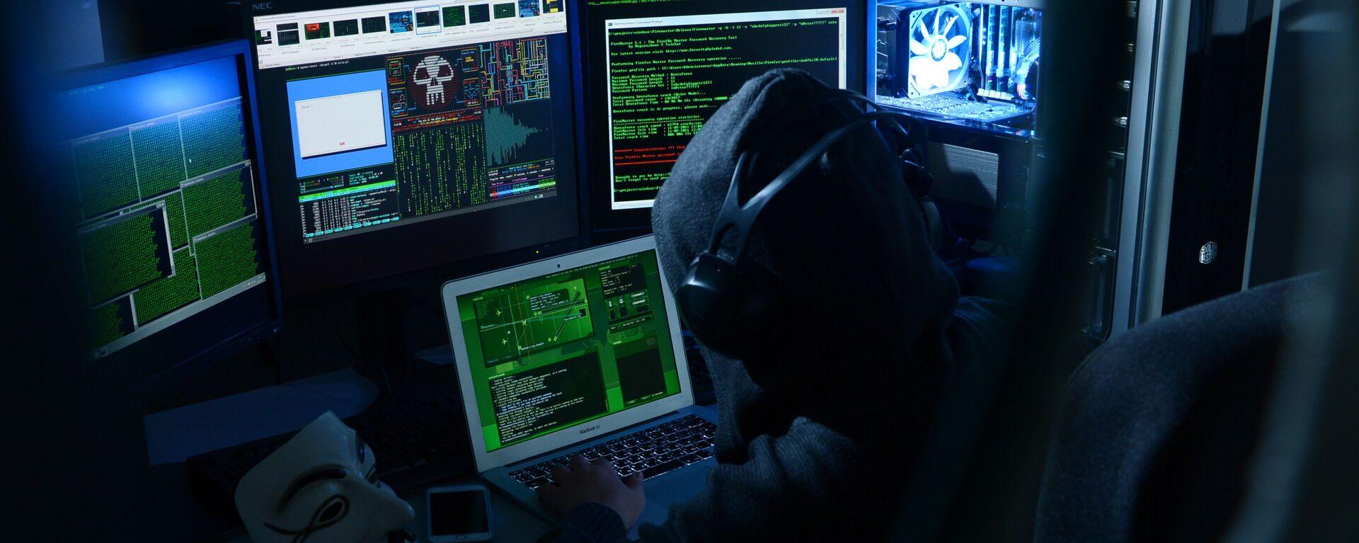 Un hacker ruso (imagen referencial) - Sputnik Mundo, 1920, 24.02.2021