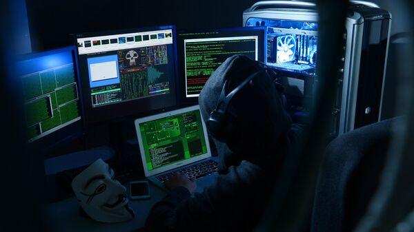 Un hacker ruso (imagen referencial) - Sputnik Mundo