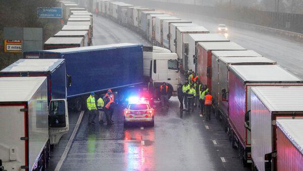 Situación con los camioneros en Dover, Reino Unido - Sputnik Mundo
