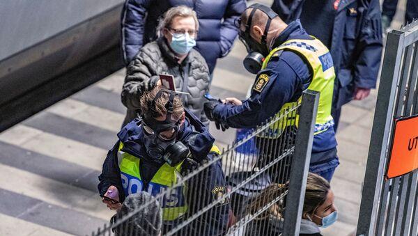 Control de pasajeros en la frontera de Suecia y Dinamarca - Sputnik Mundo