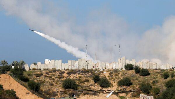Ejercicios militares con drones y cohetes en Gaza - Sputnik Mundo