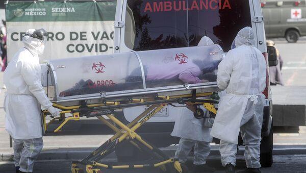 Un paciente con COVID-19 en México - Sputnik Mundo