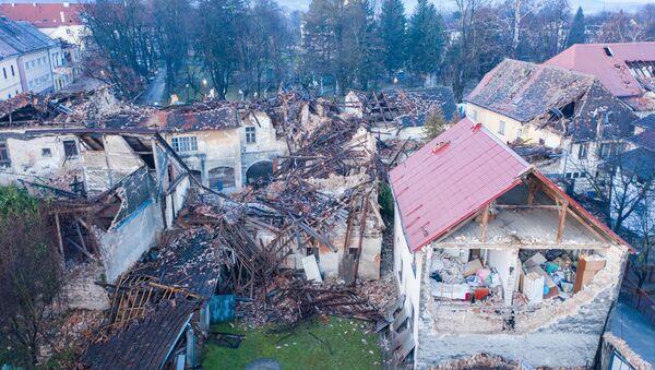 Consecuencias del terremoto en la ciudad croata de Petrinja - Sputnik Mundo