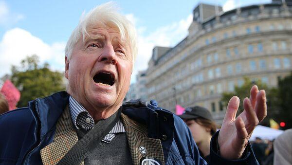Stanley Johnson, padre de Boris Johnson, primer ministro de Reino Unido - Sputnik Mundo