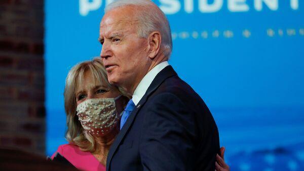Joe Biden, presidente electo de EEUU, y su esposa, Jill Biden - Sputnik Mundo