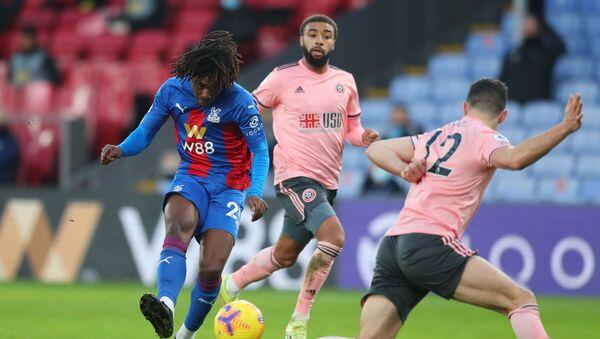 Eberechi Eze, futbolista inglés de Crystal Palace, marca el gol contra Sheffield United - Sputnik Mundo