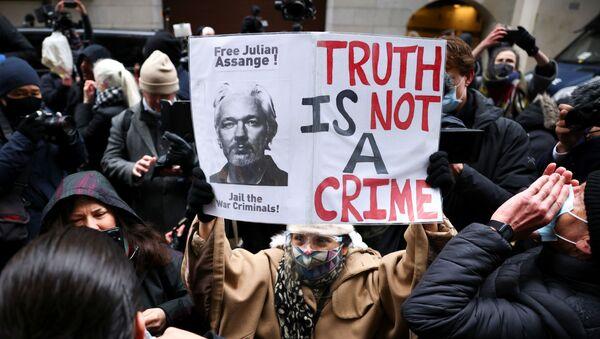 Los partidarios del fundador de WikiLeaks, Julian Assange - Sputnik Mundo