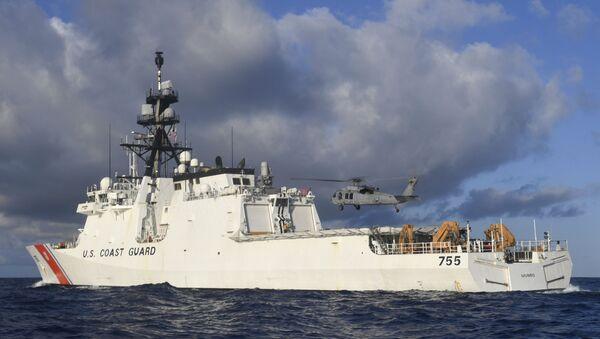 Un buque de la Guardia Costera de Estados Unidos - Sputnik Mundo