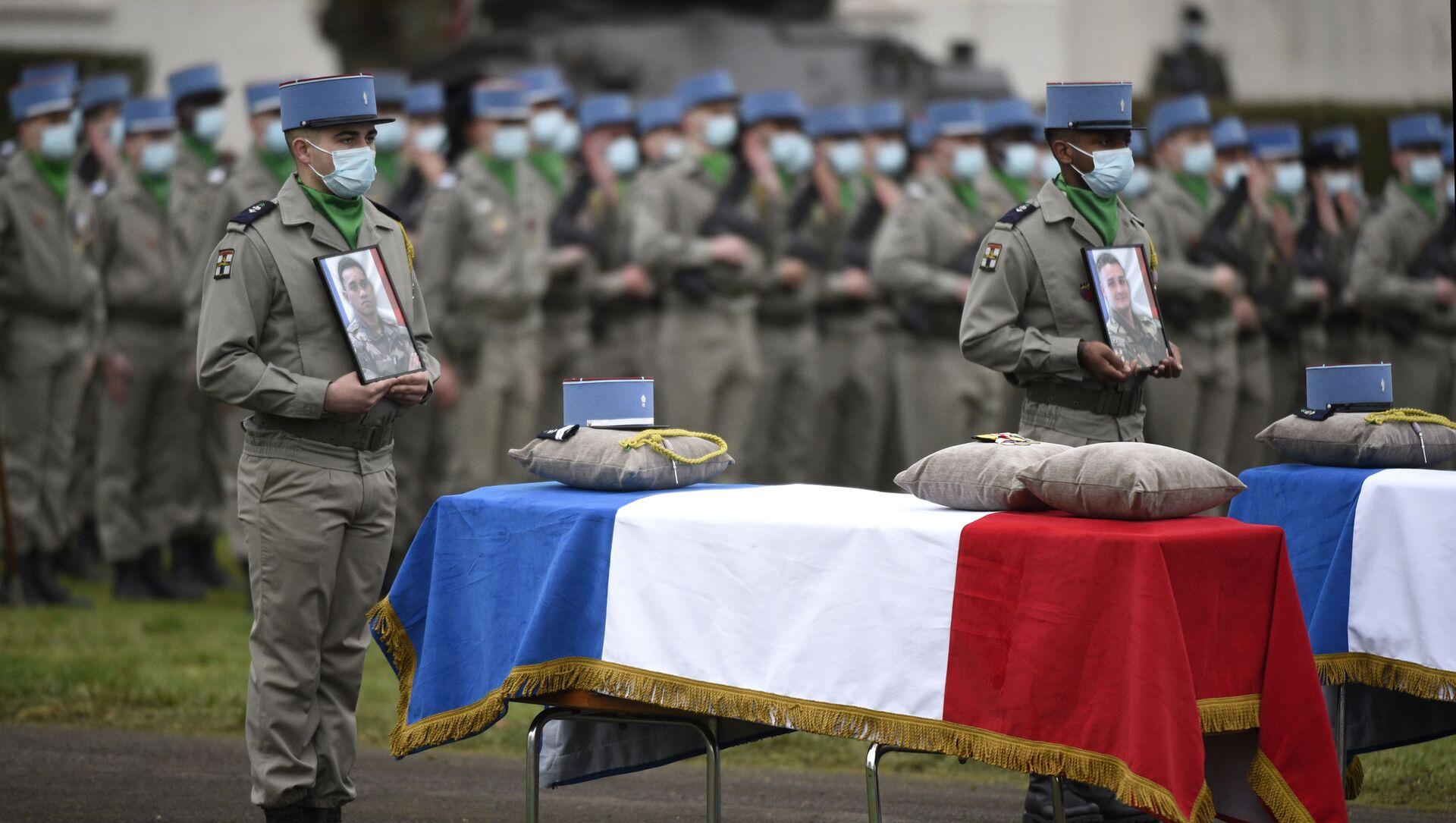 Funeral de los soldados franceses fallecidos en Malí - Sputnik Mundo, 1920, 06.01.2021