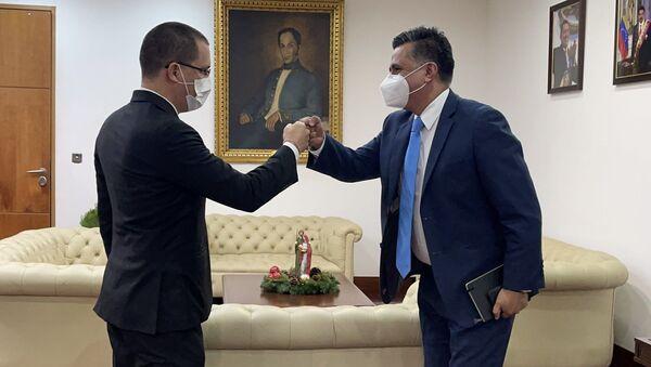 El canciller de Venezuela, Jorge Arreaza, junto al secretario Ejecutivo de ALBA-TCP, Sacha Llorenti - Sputnik Mundo