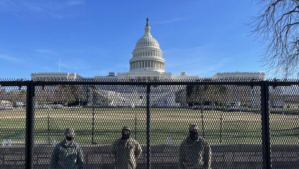 La Guardia Nacional de EEUU frente al Capitolio - Sputnik Mundo