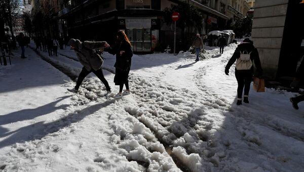 Nieve en Madrid - Sputnik Mundo