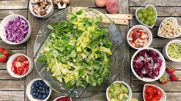Unas frutas y verduras, referencial - Sputnik Mundo