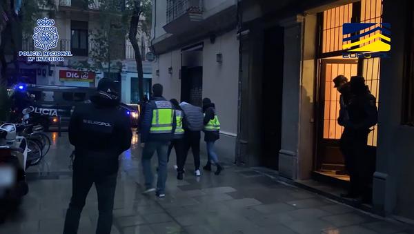 Imágenes de la detención en Barcelona de los supuestos terroristas  - Sputnik Mundo