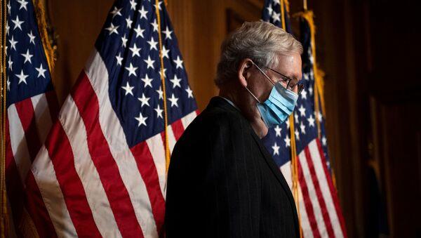 Mitch McConnell, líder republicano del Senado de EEUU - Sputnik Mundo